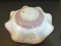 FENTON Pink And White Cameo Connoisseur Collection Don Fenton 45/500 Bowl Plate