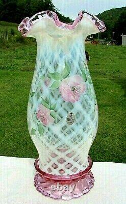 VINTAGE FENTON FRENCH OPALESCENT Pink Crest TRELLIS HURRICAN CANDLE LAMP 11H