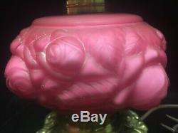 Vintage Original Fenton/L G Wright Rose satin overlay 3-D Roses LAMP